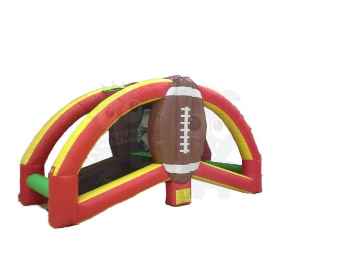Inflatable Quarterback Challenge Football Toss Game Commercial Inflatable For Sale